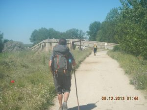 Approaching the Puente de Itero de Castillo