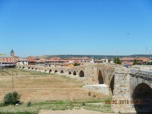 You can clearly see the lower part of the bridge that is the original Roman bridge.