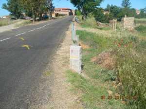 A road crossing at Murias de Rechivaldo.
