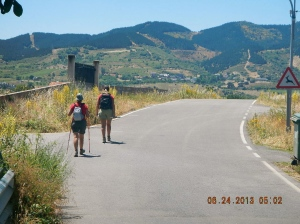 Two German Peregrinas on the road to Ponferrada