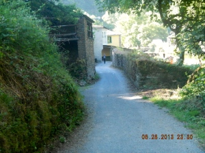 Entering the village of San Cristobo do Real