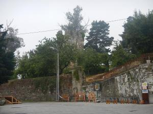 The 13th century Fortaleza y Torres (Fort and Towers) at the intersection of the rúa Maior and the rúa do Castelo