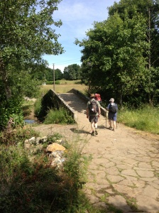 Sue and our new-found Australian friends approaching the medieval Ponte Velha